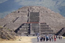 Pyramid of the Moon, Teotihuacan1
